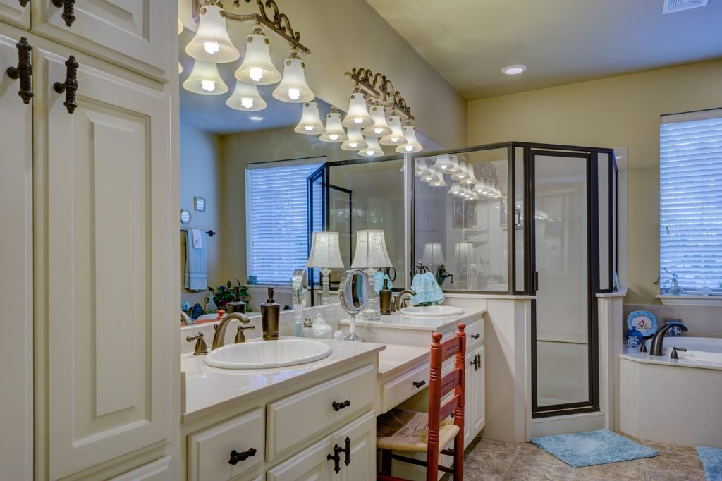 The 7 Bathroom Must Haves For The Master or Guest Bathrooms, bathroom, interior, design, essentials, first apartment, college apartment, apartment