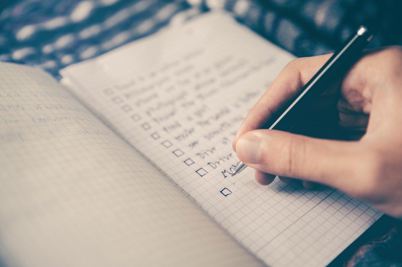 college dorm checklist guys, college dorm checklist girls, Apartment moving checklist, must haves, checklist pdf,Apartment Checklist, College Checklist, Dorm Moving Checklist