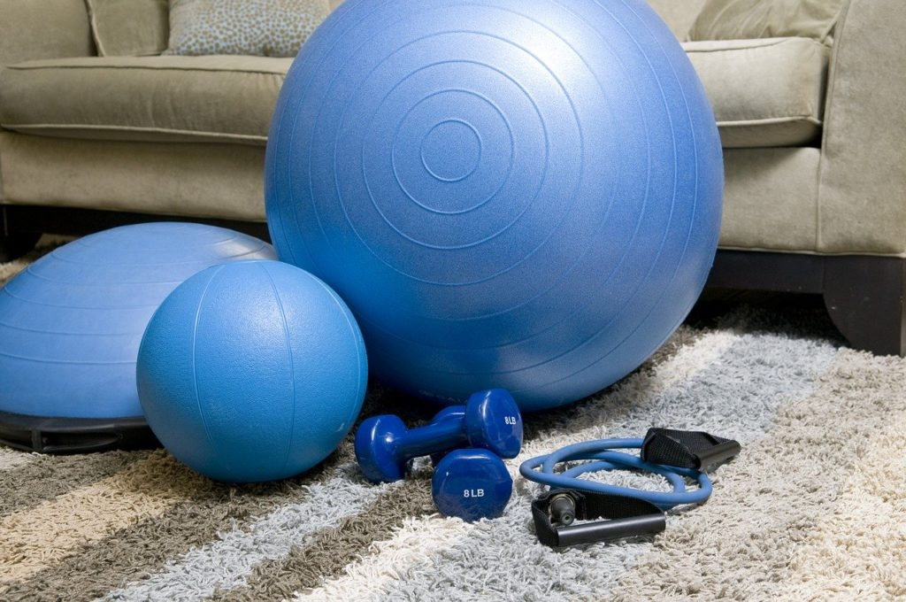 Set Up A Home Gym For An Apartment: The 6 Perfect Equipment and Essentials, home workout, working out, cheap workout equipment, home gym dumbbells, training, fitness,home fitness equipment, blue fitness equipment, portable fitness equipment