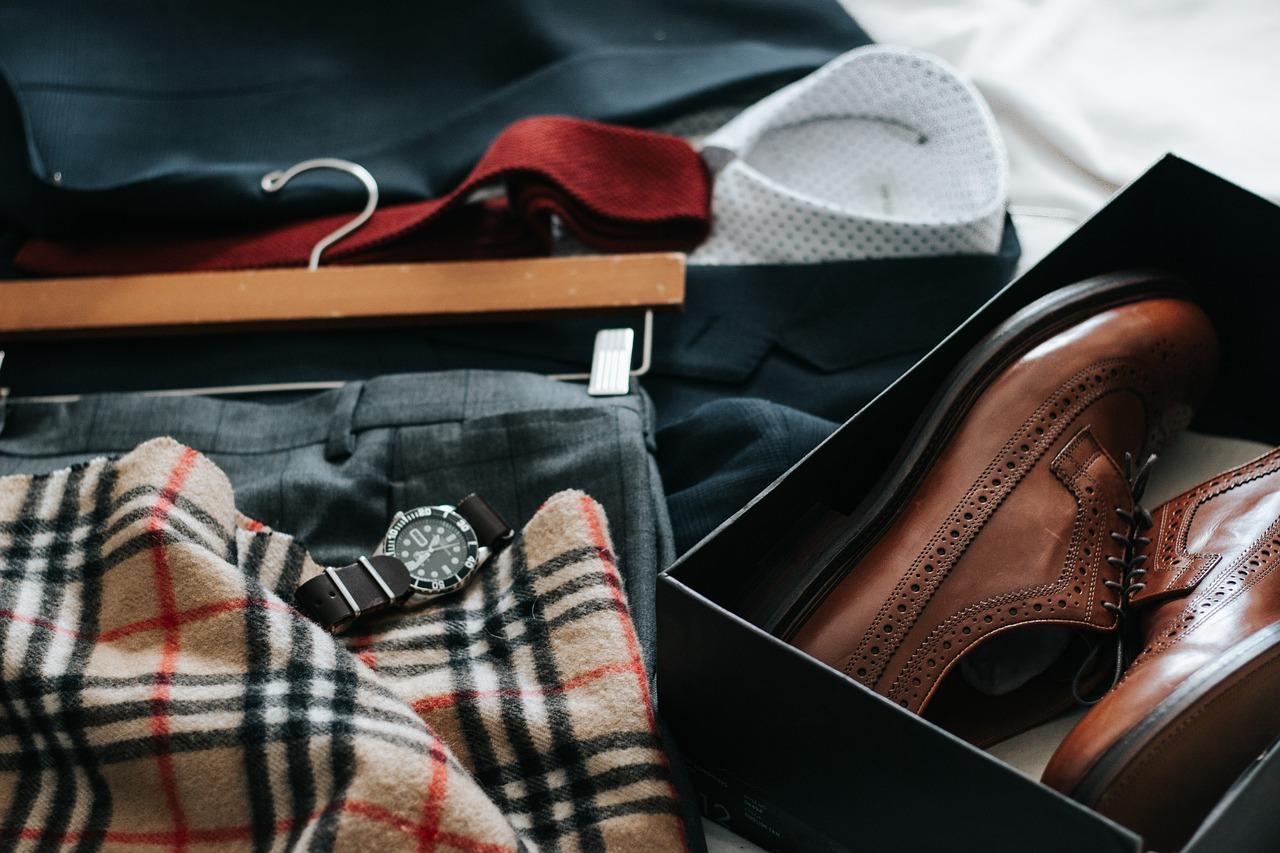 college dorm checklist guys, college dorm checklist girls, Apartment moving checklist, must haves, checklist pdf